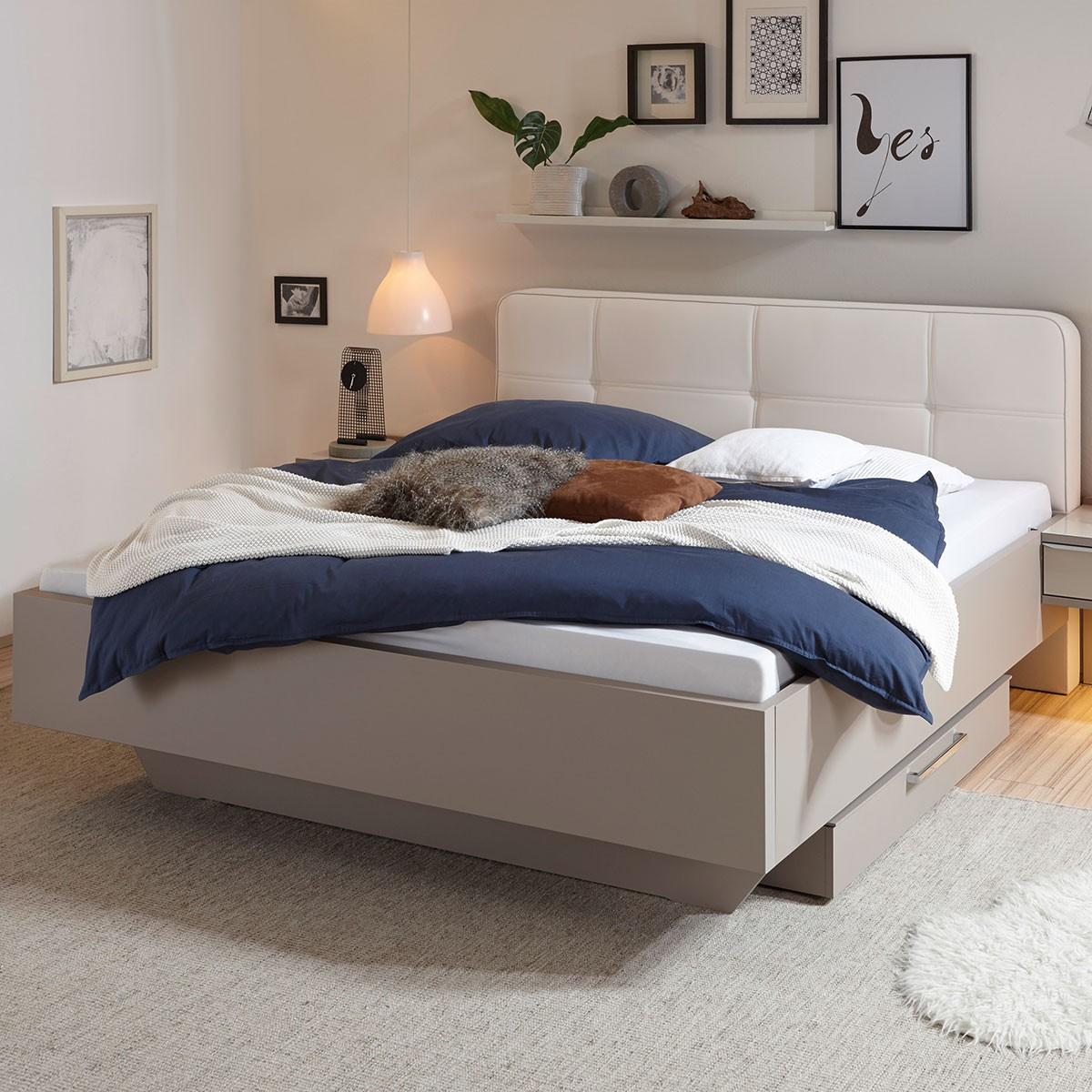 Bett mit Polsterkopfteil Royal in Beige, ca. 180x200 cm | Flamme