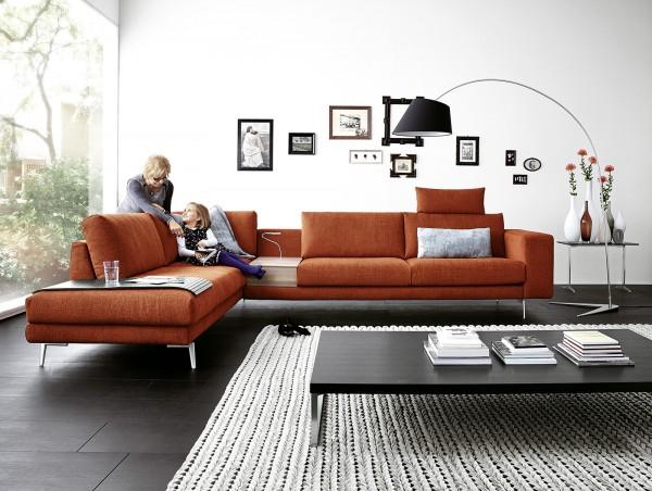 Designer-Polsterecke Omega von Koinor in Stoffbezug bei flamme.de