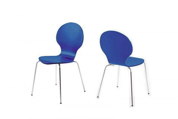 Stapelstuhl in Königsblau mit geschwungener Sitzschale