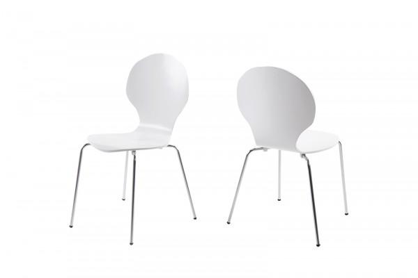 Stapelstuhl in Weiß mit geschwungener Sitzschale